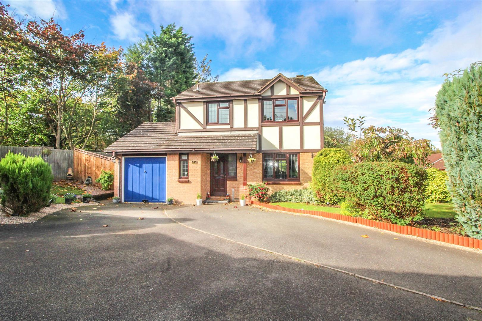 3 Bedrooms Detached House for sale in Plymouth Close, Redditch
